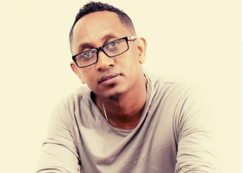 Bizuayehu Demisse - Meleyet Kifatu (Ethiopian Music)